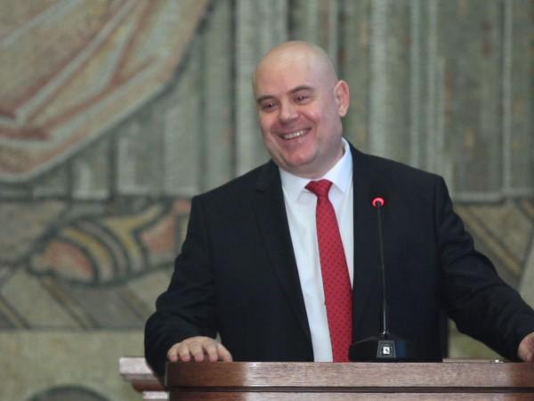 Главният прокурор Иван Гешев разпореди специален надзор върху разследванията за