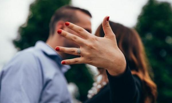 Да предложиш брак така, че да не ти откажат