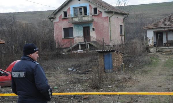 Задържаха двама за жестокото убийство в Галиче