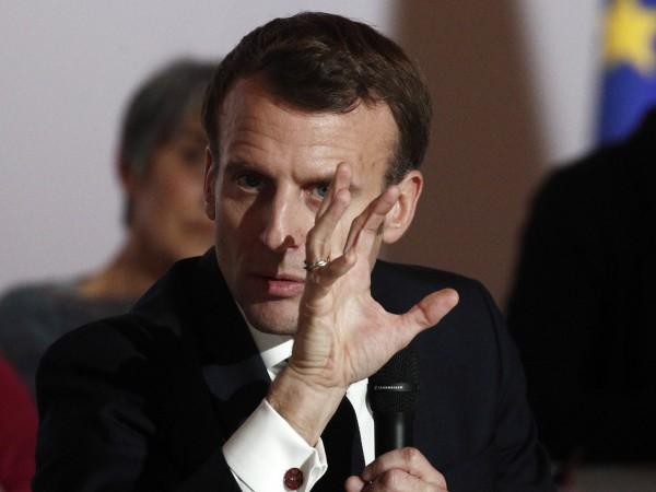Обрат във Франция - правителство протегна ръка към синдикатите, които