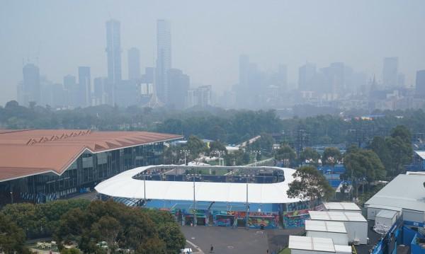 Опасен въздух в Мелбърн, тенисисти окапаха – сред тях и Маша
