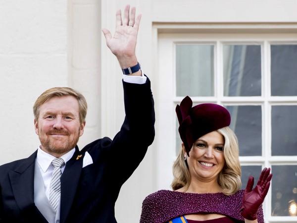 Кралица Елизабет II подкрепи принц Хари и Меган Маркъл в