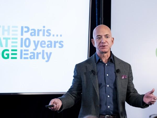 Главният изпълнителен директор на Amazon.com Джеф Безос не беше посрещнат