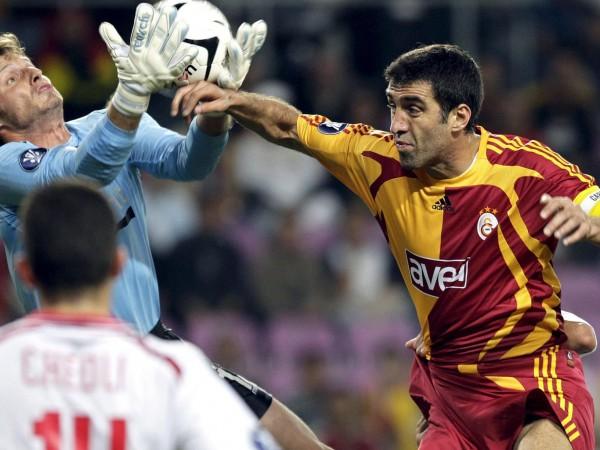 Хакан Шукур е най-големият футболист в историята на Турция и