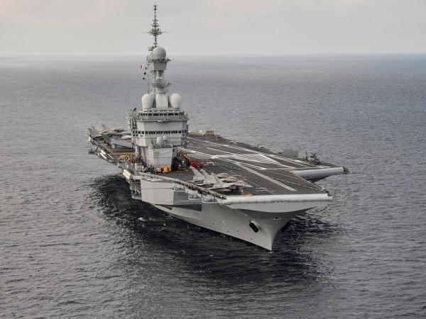 Френският президент Еманюел Макрон заяви, че Франция ще разположи самолетоносача