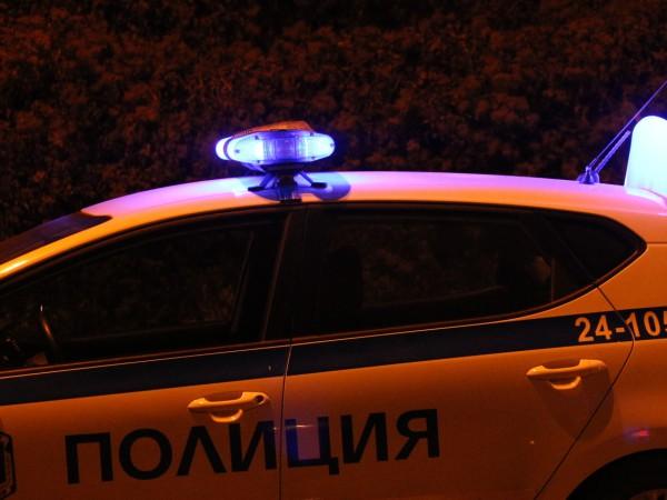 Трима маскирани мъже са ограбили бензиностанция в София през изминалата