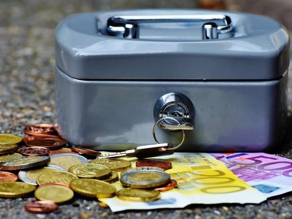 Крадци са успели да намерят скрита метална кутия с 8300