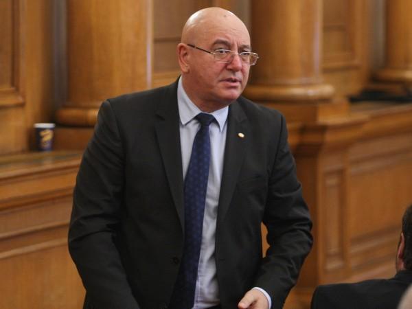 Новият министър на околната среда и водите Емил Димитров заяви,