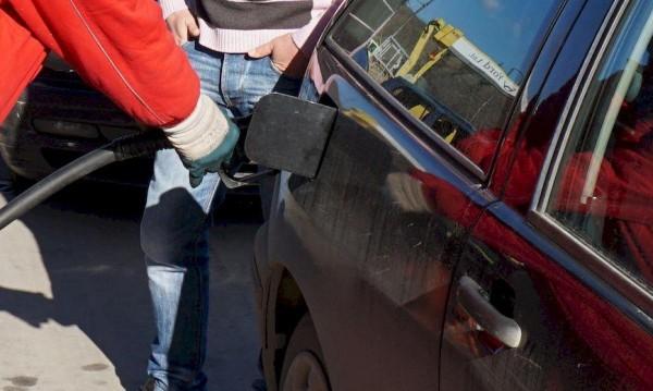 За оптимизация: Бензиностанциите да не работят през нощта