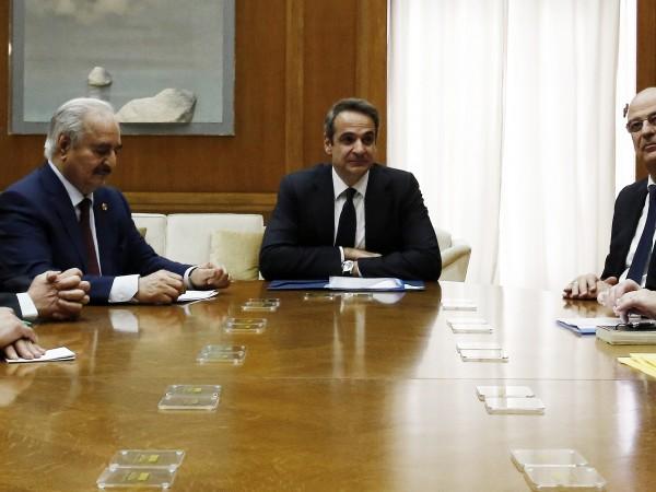 Турция обвини Гърция, за това, че е приела либийския лидер