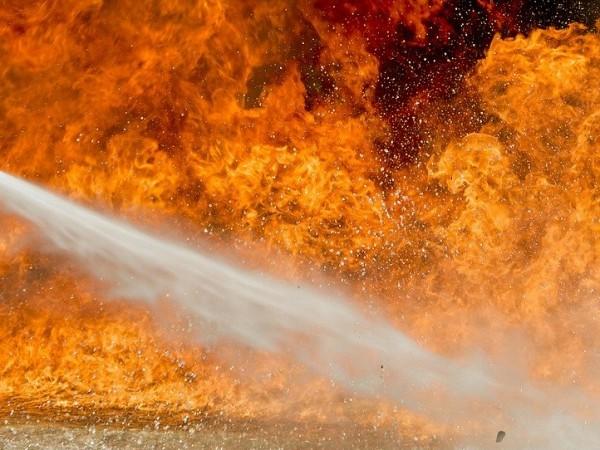 Осем души загинаха при пожар в старчески дом в град