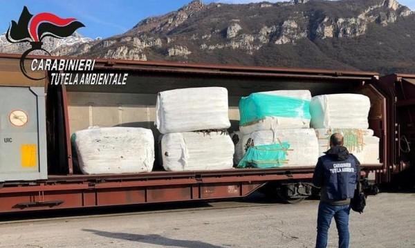"""Италианският боклук: """"Триъгълникът на смъртта"""" и пътят му към България"""