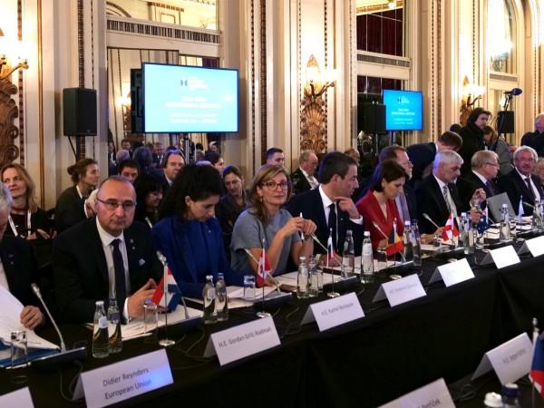 Външнитe министри от 35 страни, сред които и България, изразиха