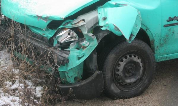Пиян мъж открадна кола и катастрофира с нея в Кърджали