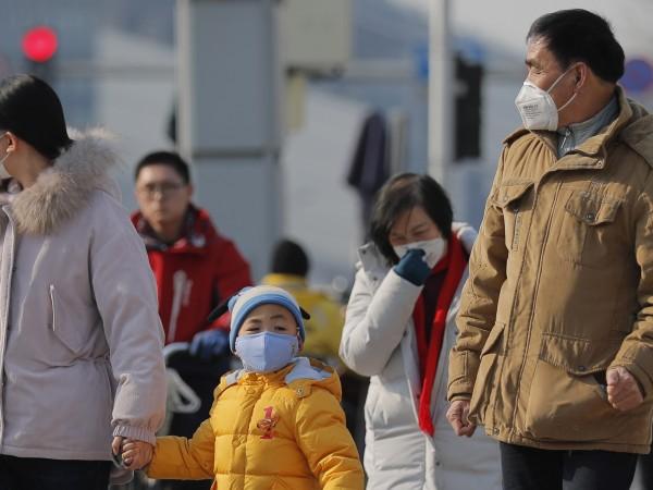 Страхове за вероятна пандемия се появиха, след като коронавирусът, тръгнал