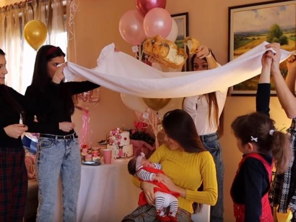 Теа Минкова направи погача за 40-ия ден от раждането на