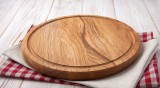 Как да почистите дървена дъска за рязане