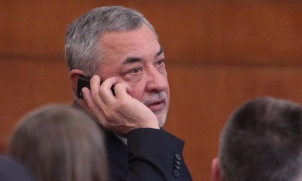 Симеонов няма да отстъпи за хазарта: Полезно е за държавата!