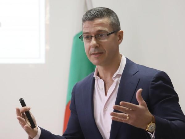 Съветът за електронни медии (СЕМ) избра Андон Балтаков за нов