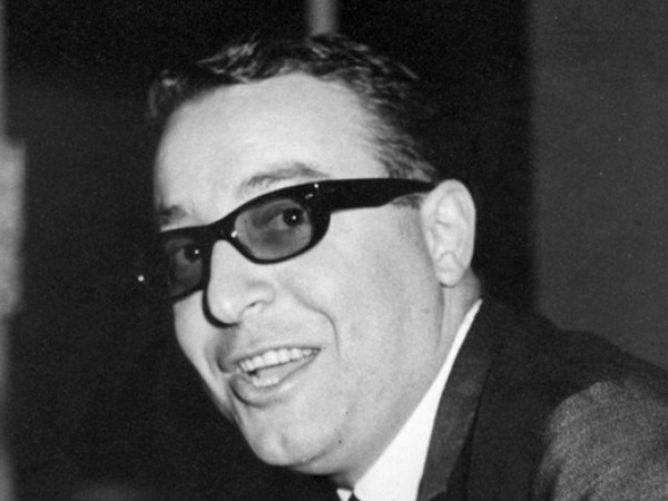 Официална биография на Вили Казасян - легендарем музикант, композитор, аранжор
