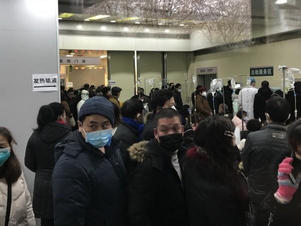 Китайски медици са разработили успешен метод за лечение на пневмонията