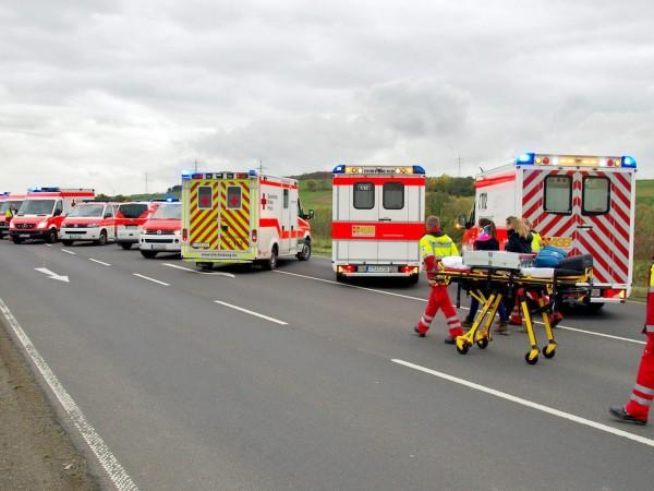 Тежка катастрофа с автобус отне живота на две 8- годишни