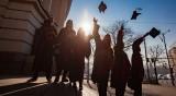По 100 лв. стипендия за някои студенти, падат таксите за  BG диаспорите