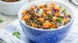 Рецептата Dnes: Средиземноморска салата с леща и целина
