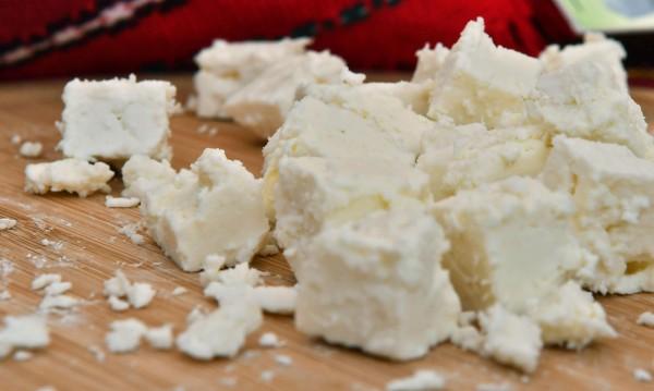 Първенци сме по внос на сухо мляко. Какво сирене и кашкавал ядем?
