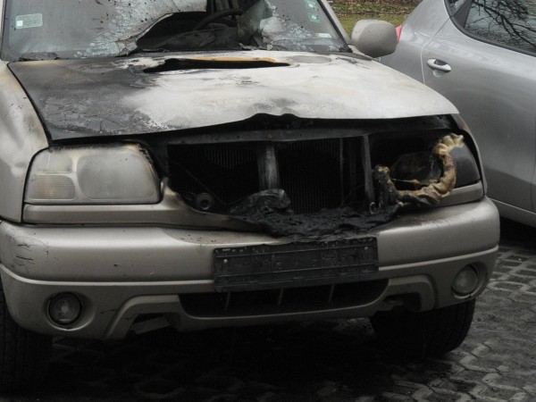 Десетки коли горят в пожар в автоморга в района на