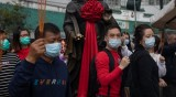 Ударно произвеждат маски в Китай, по 8 милиона на ден