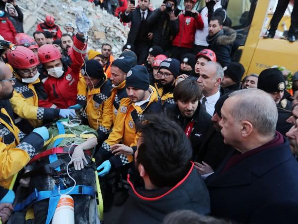 Броят на загиналите в резултат на силното земетресение, което удари