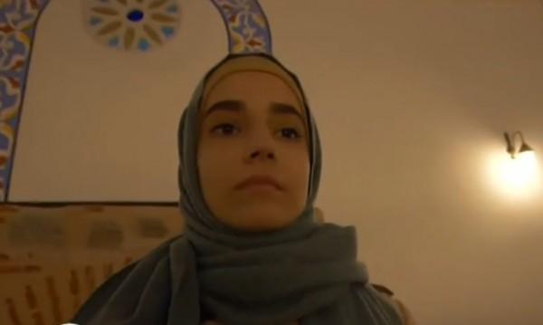 18-годишната Ниа под забрадката: За исляма и предразсъдъците