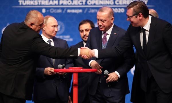 """Газпром"" достави първия газ по ""Турски поток"""