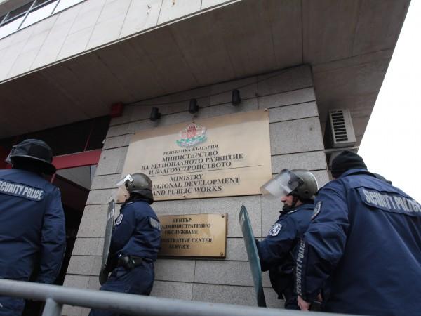 """Според лидера на партия """"Възраждане"""" Костадин Костадинов по време на"""