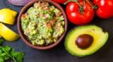 Рецептата Dnes: Гуакамоле с домати и лайм
