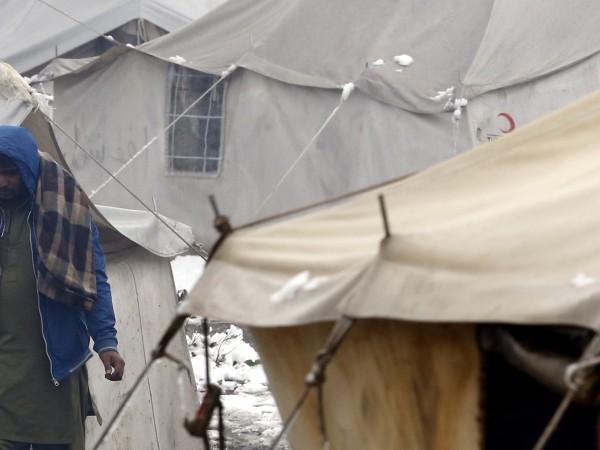Полиция във френската столица Париж изсели мигранти от най-големия незаконен