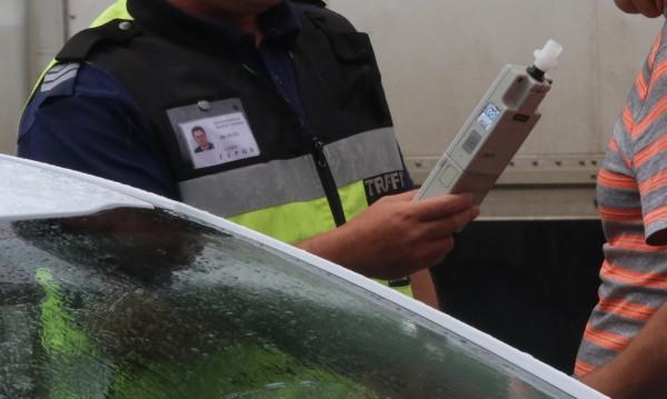 Полицаи спряха пиян македонец зад волана край Кюстендил