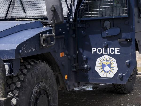 Полицай в Косово бе убит, а негов колега и дете