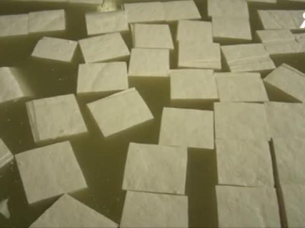 БАБХ изтегля от пазара имитиращ продукт, продаван като сирене. Инспекторите