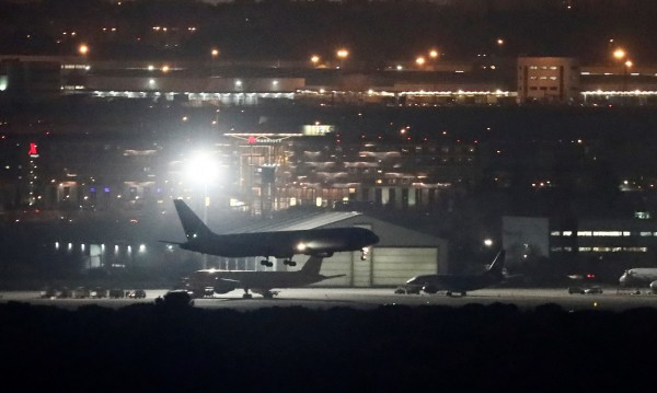 Лоша шега: Канадец върна самолет, имал коронавирус