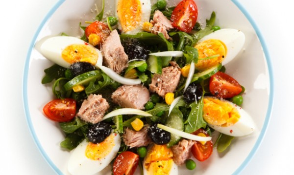 Рецептата Dnes: Зелена салата с яйца и риба тон