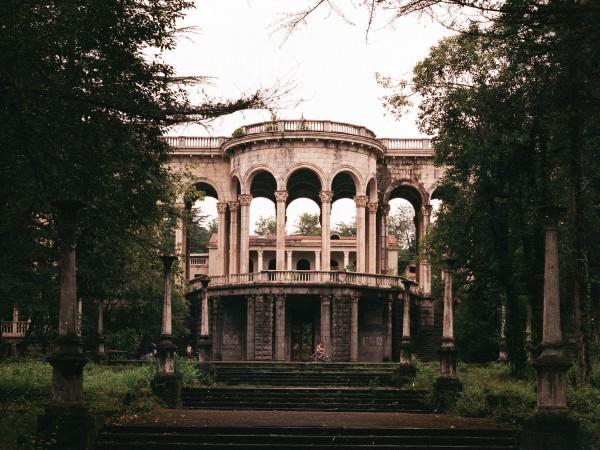 Цхалтубо някога е бил луксозен спа курорт с близо 20
