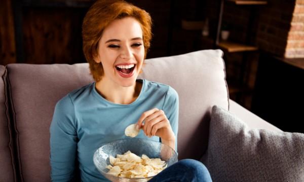 7 храни и напитки, които са вредни за зъбите ни