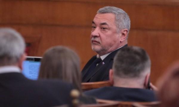 Валери Симеонов: Спрете да купувате лотарийни билети