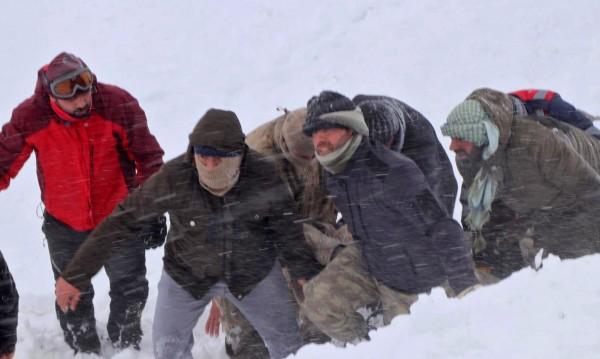Снегове в Турция отнеха живота на 13 мигранти
