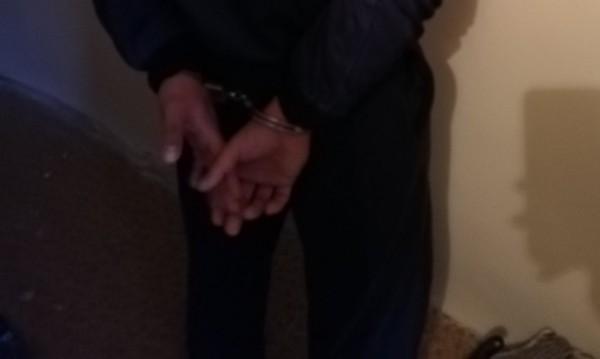 Задържаха мъж, нападнал полицай след семеен скандал