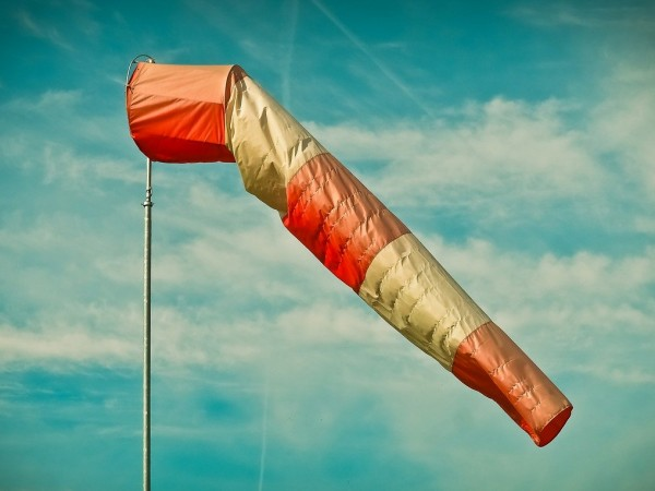 Жълт код за бурен вятър е в сила днес в