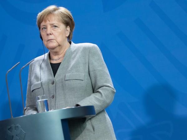 Германският канцлер Ангела Меркел заяви, че съжалява за решението на