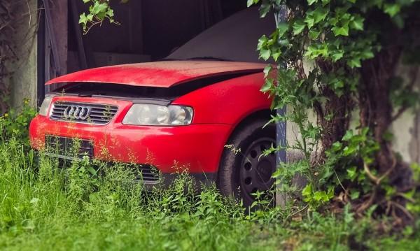 Шофьор избяга от пътни полицаи с крадена кола